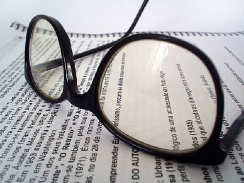 eyeglasses-and-magazine-report-image